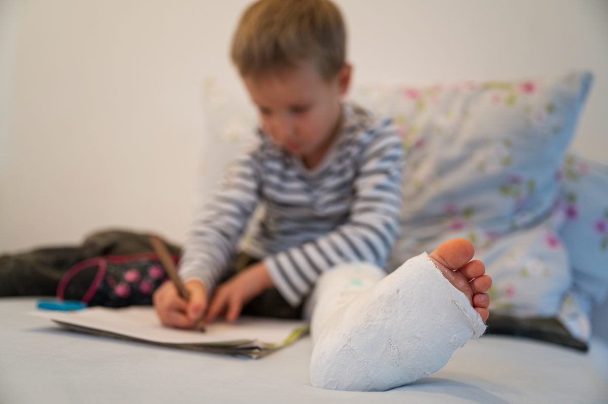 toddler-boy-with-plaster-his-leg-1200x798.jpg